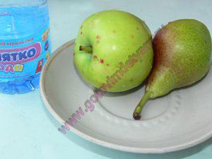 P1160381 Компот из яблок для ребенка