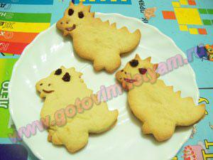 Выпекаем печенье для детей