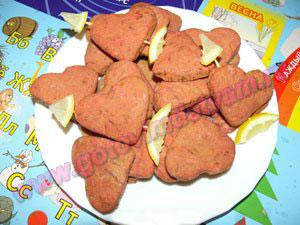 Свекольное печенье детям