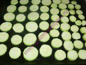 сколько готовить в духовке кабачок
