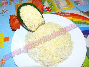 Салат нежный с курицей для детей